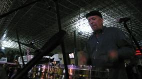 Tocando el timbal en el concierto del International Jazz Day en Valencia, Venezuela (2013)